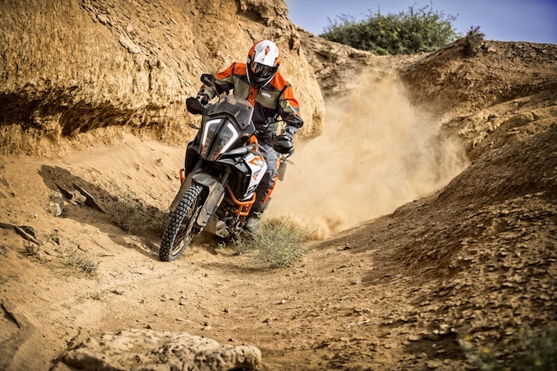 Ktm 1290 super adventure r action 04