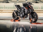 Ktm 1290 super duke r my17 action 01