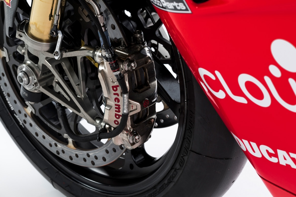 Panigale v4r details 12 uc70448 mid