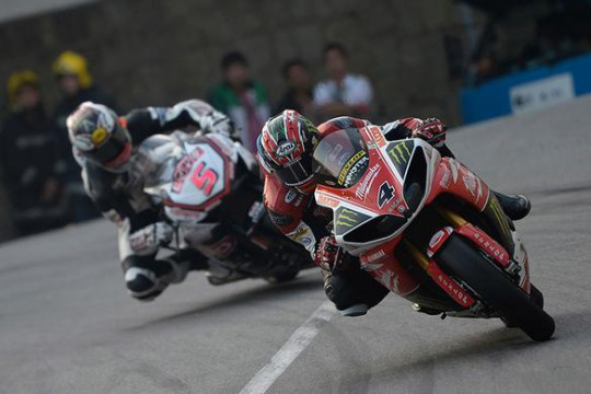 Hutchinson on his way to the big prize in Macau today