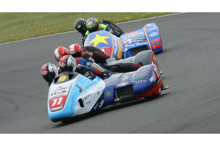 F2 SIDECARS ANGLESEY: REEVES CLEANS UP - Bikesport News