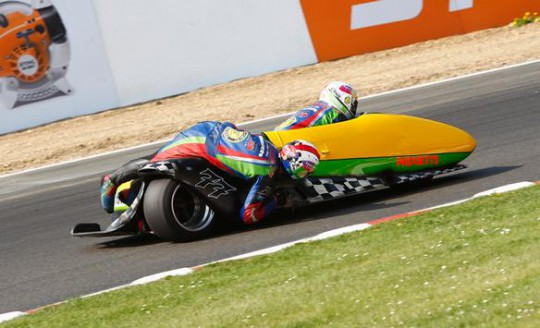 Reeves and Cluze in action on the Indy circuit