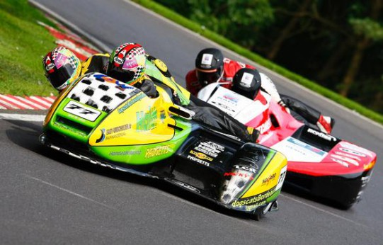 Reeves and Cluze head the Birchalls at Cadwell
