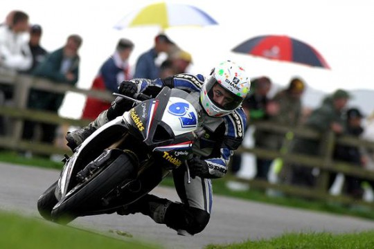 Simpson makes his debut at Oliver's Mount