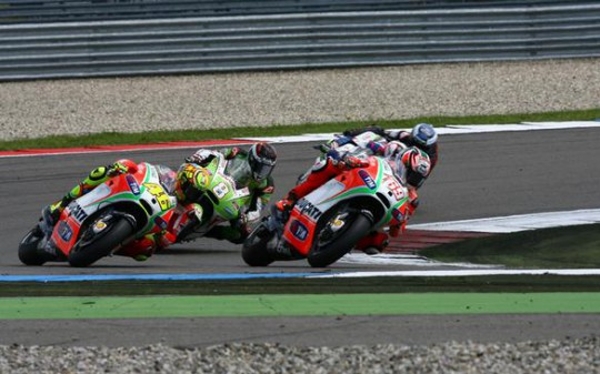 Both Rossi and Barbera experienced tyre chunking problems
