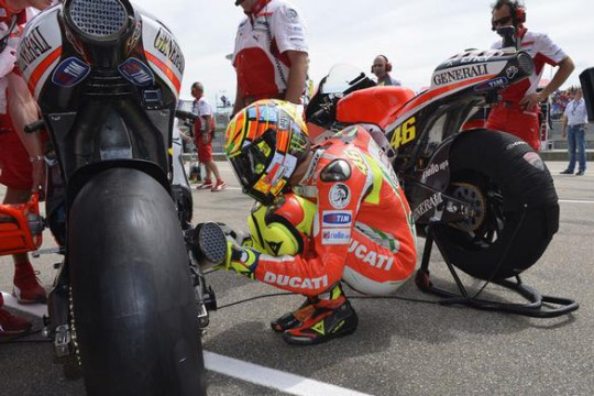 Rossi's older base setup is working better