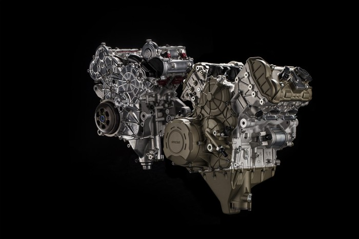 Stradale and Desmosedici engines together