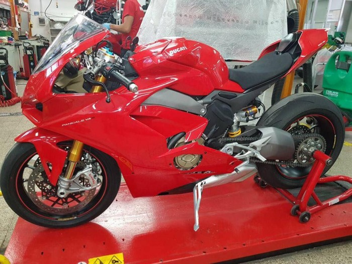 New Panigale V4 snapped in a secret factory workshop