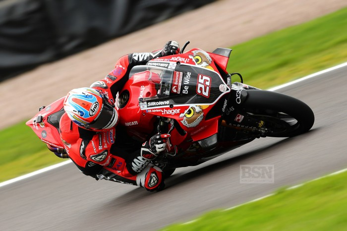 Oulton BSB: Brookes 'not having to try too hard' for