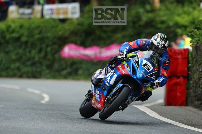IOMTT 2017: Michael Dunlop wins Senior TT
