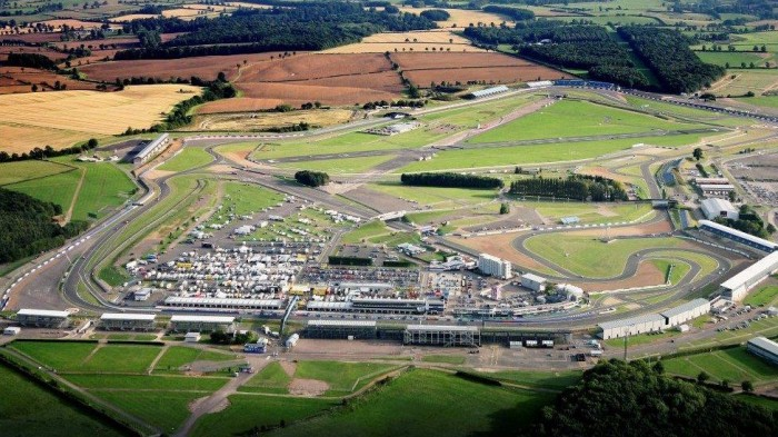 Motorcycling - Silverstone secures MotoGP extension, to resurface track