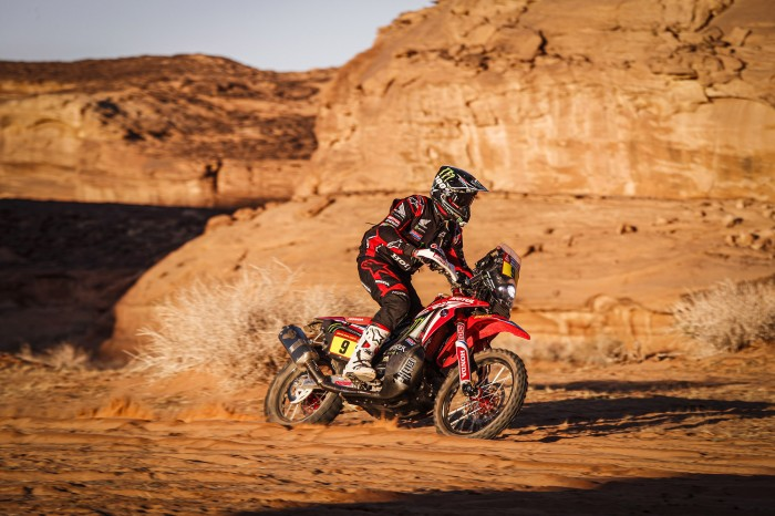 Dakar Rally in mourning as Portuguese Goncalves dies after crash