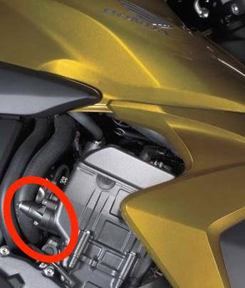 Here's the same area on a CB1000R. Similar? Maybe? We'll find out in four weeks...
