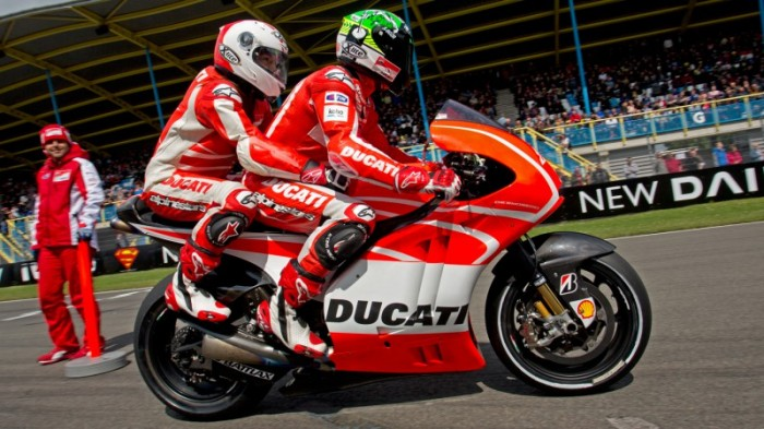 Grab a pillion ride with Mamola at MotoGP Silverstone - Bikesport News