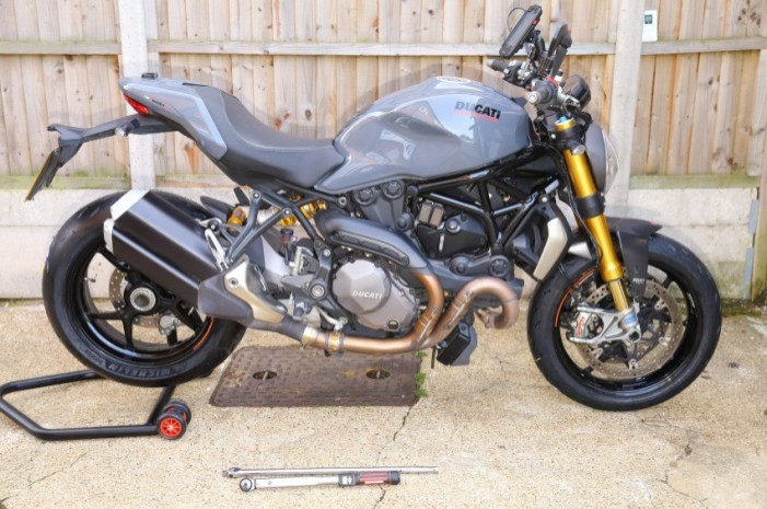Michelin Power RS tyres tested on Ducati Monster 1200